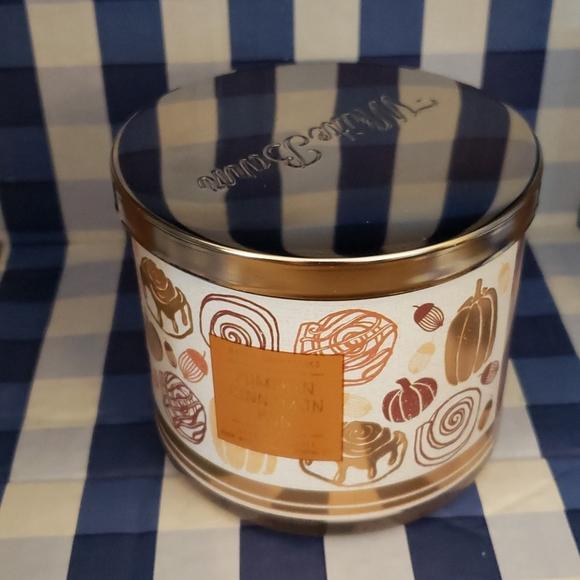 Bath & Body Works Pumpkin Cinnamon Bun Candle